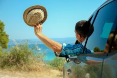 Im Sommer verreisen mit geringem Verbrauch