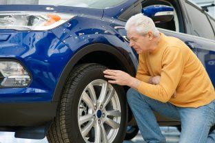 Kontrollieren Sie vor dem Urlaub Ihre Reifen